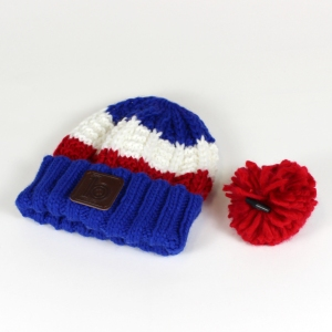 red bobble hat 4